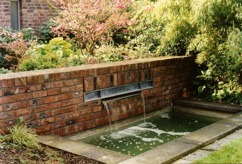 Farb- Bäuerles Foto großer Brunnen
